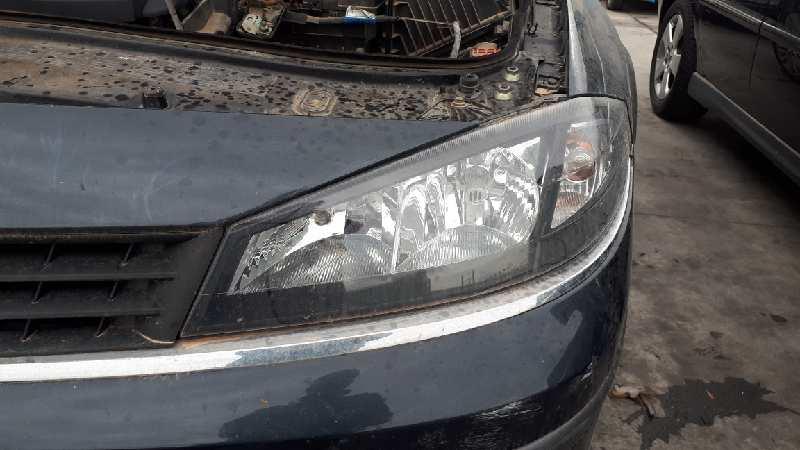Faro izquierdo de Renault Laguna ii (bg0) (2001 - 2007) 7701061669