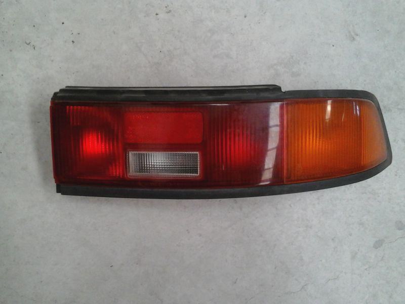 Piloto trasero derecho de Mazda 323 berlina/familiar (bf/bw) (1985 - ...)