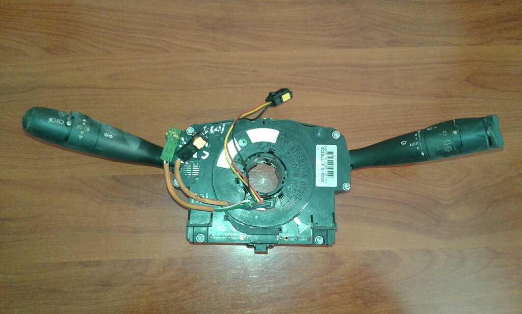 Mando volante de Citroen C3 (1995 - 2010) 96474025XT