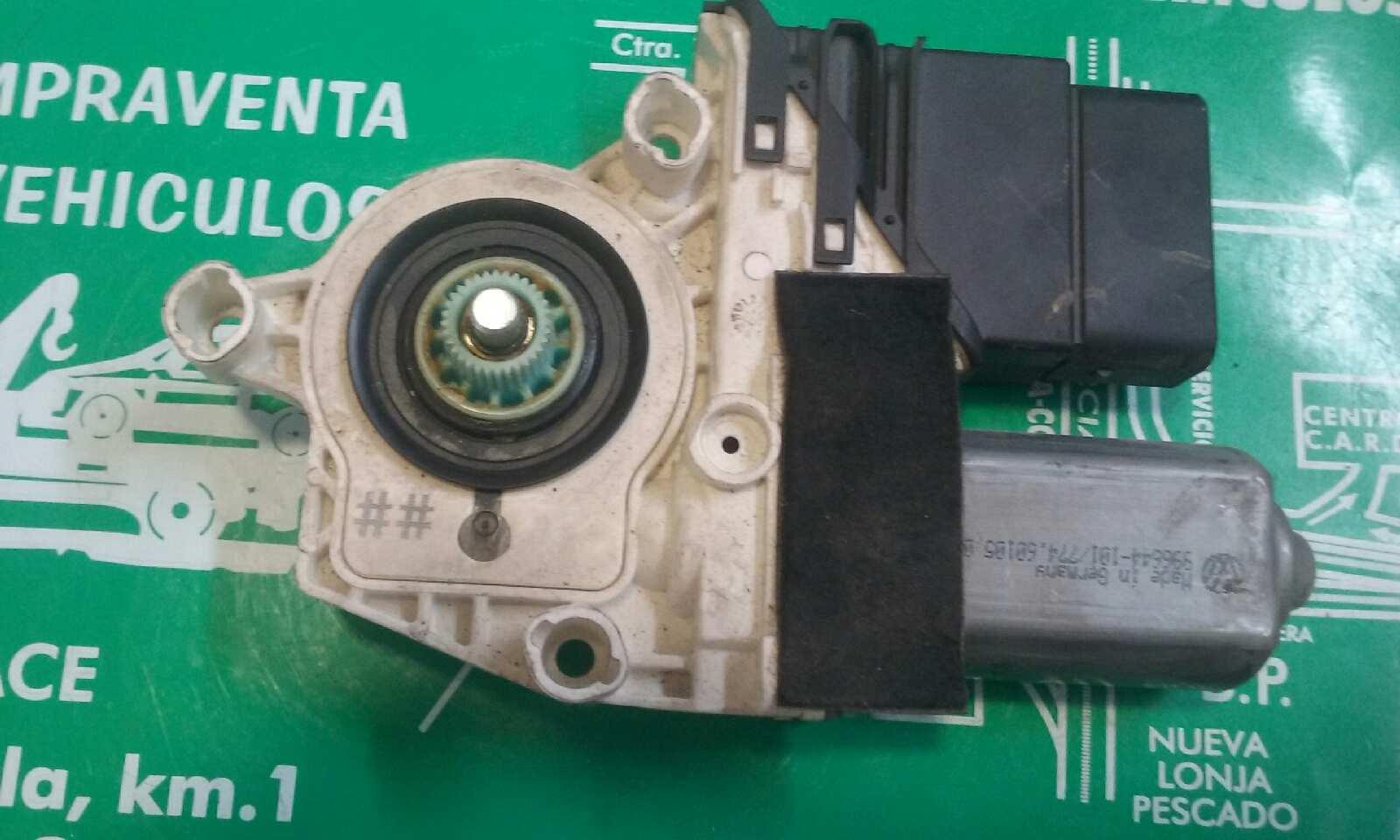 Motor elevalunas trasero derecho de Seat Altea (5p1) (2004 - 2015) 5P0839402