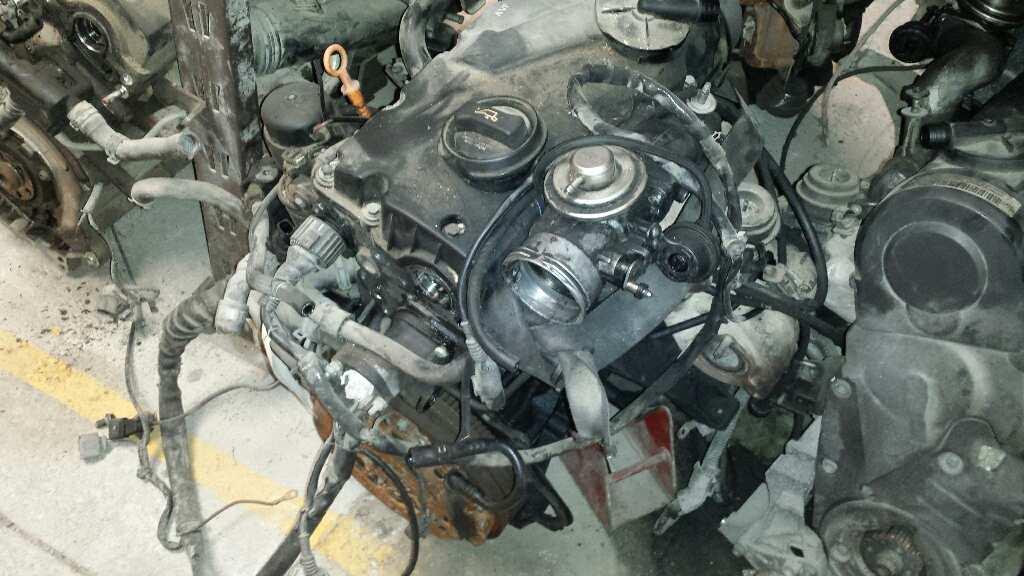 Motor completo de Audi A4 berlina (8e) (2000 - 2004) AVF