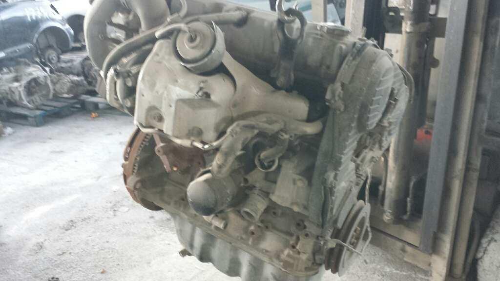 Motor completo de Mazda 323 berl. f/s (bj) (2000 - 2003) RF4F